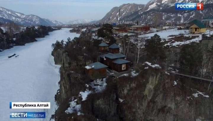 Горный Алтай круглогодично своей красой завораживает туристов