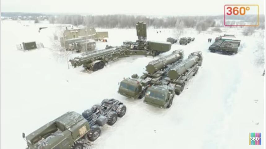 Коптеры сняли вМосковской области новый комплекс зенитной ракетной системы «Триумф»