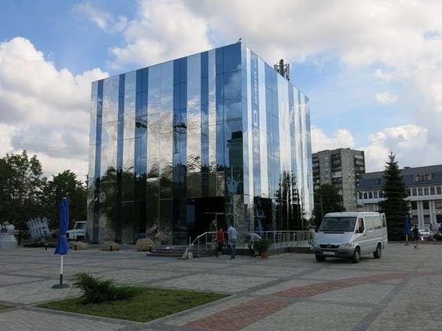 В Калининграде открылся новый корпус музея Мирового океана «Куб воды»