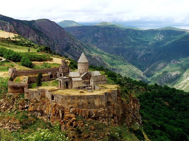 Нагорный карабах, обострение: войска России отправились на высокогорные полигоны Армении