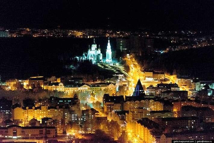 Ханты-Мансийск свысоты: компактный город среди тайги