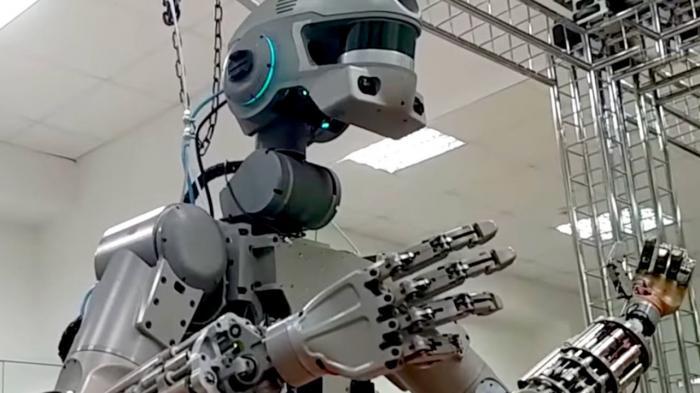 Российский робот ФЕДОР демонстрирует уникальные возможности. Часть 2