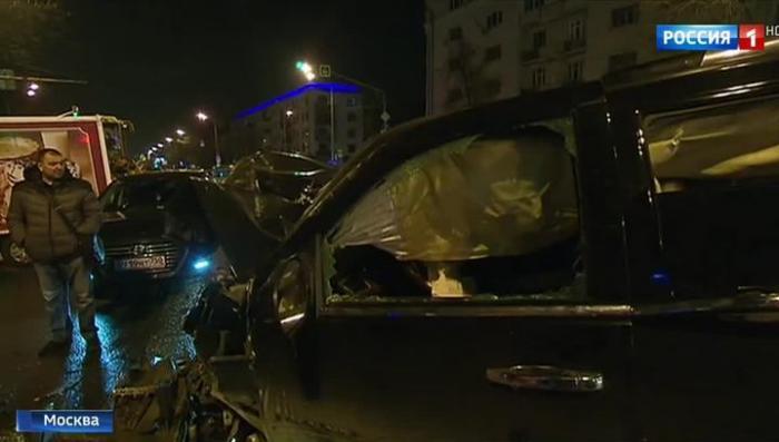Очередные гонки золотой молодежи по Москве закончились массовой аварией с жертвами
