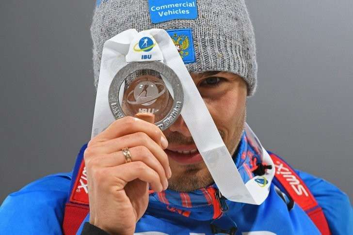 Антон Шипулин. Стартовав с 23-й позиции он финишировал вторым и завоевал серебряную медаль