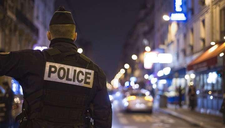 В загородном доме Франсуа Фийона полиция проводит обыск