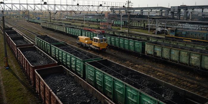 Первый пошел: в Луганской области состав из 57 вагонов преодолел блокаду Донбасса