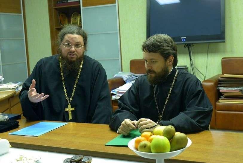 Полуграмотные церковники настырно лезут в главыне ВУЗы страны
