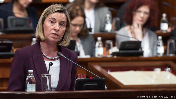Лохматый Джонсон и евро-тётка Могерини обвиняют в своих ошибках Россию