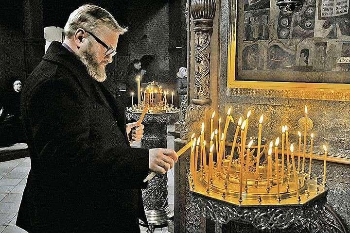 Помахала руками и начитала молитв на 11 миллионов рублей