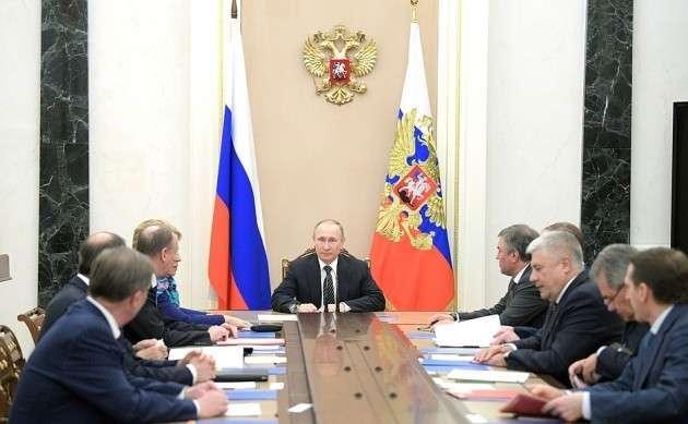 Дмитрий Песков: Владимир Путин провел оперативное совещание Совета безопасности России