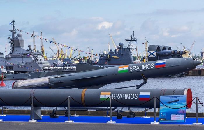Крылатая ракета «БраМос» с радиусом действия свыше 400 км была успешно испытана в Индии