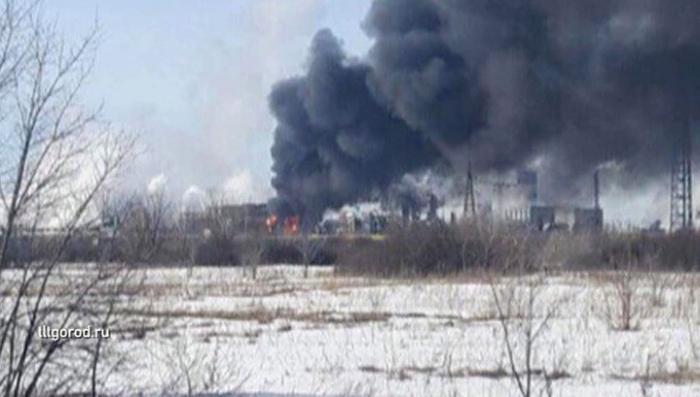 В Тольятти на заводе загорелись установки циклогексана