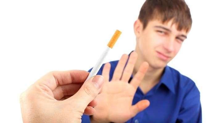 Число курильщиков вРоссии сократилось на10 млн человек