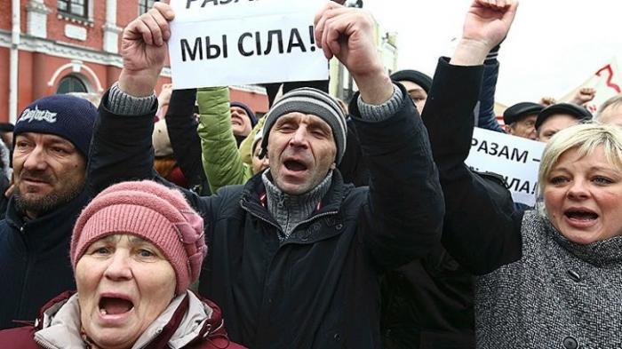 «Налог на тунеядство» в Белоруссии: кто вышел на протестные акции?