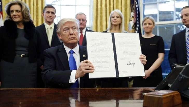 Дональд Трамп подписал указ о «чистках» в государственном аппарате США