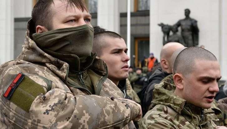 Донбасс: украинские каратели захватили и разграбили поезд