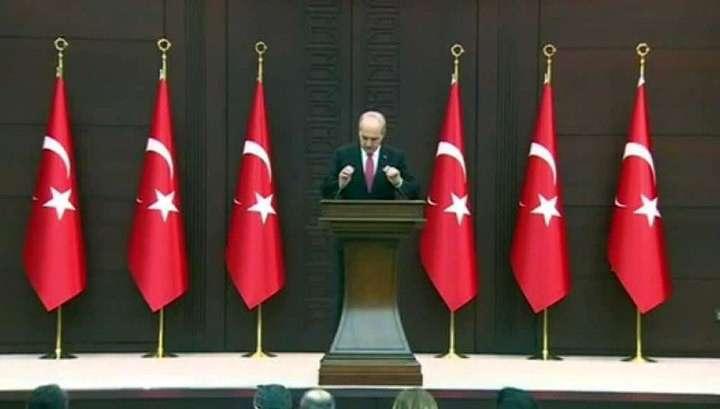 Турция разрывает дипломатические отношения с Голландией