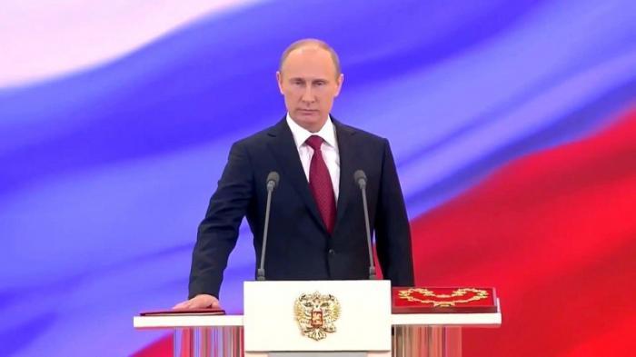 Не монархия, а единовластие честного и умного человека. Такого как Путин!