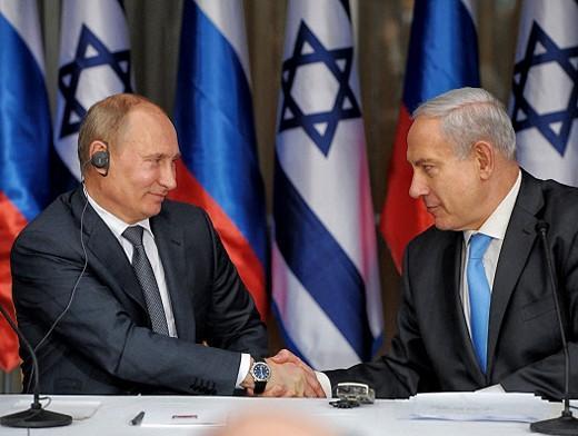 Путин слушал сиониста Беню, а мысленно складывал фигуру из трех пальцев