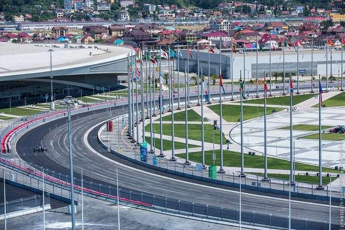 Степень интеграции трассы F1 в существующий ансамбль парка