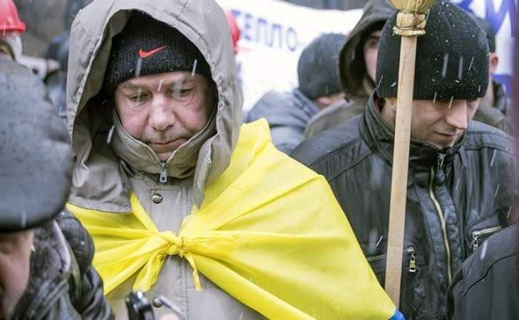 Украина: «Понавыехавших» с Донбасса и Крыма за людей не считают