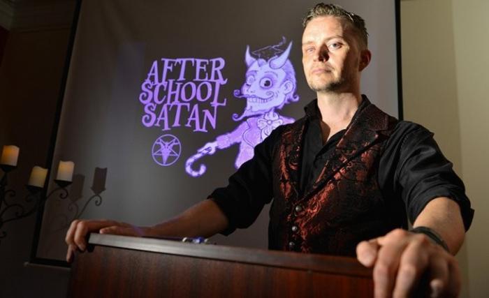 США: сатанисты в школах организуют клубы для детей. Это нормально?!