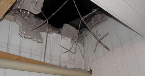 Украина: в здание полиции выстрелили из противотанкового гранатомета. Це Европа!