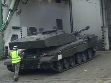Британия выгодно продала военный секонд-хенд в Эстонию и Латвию