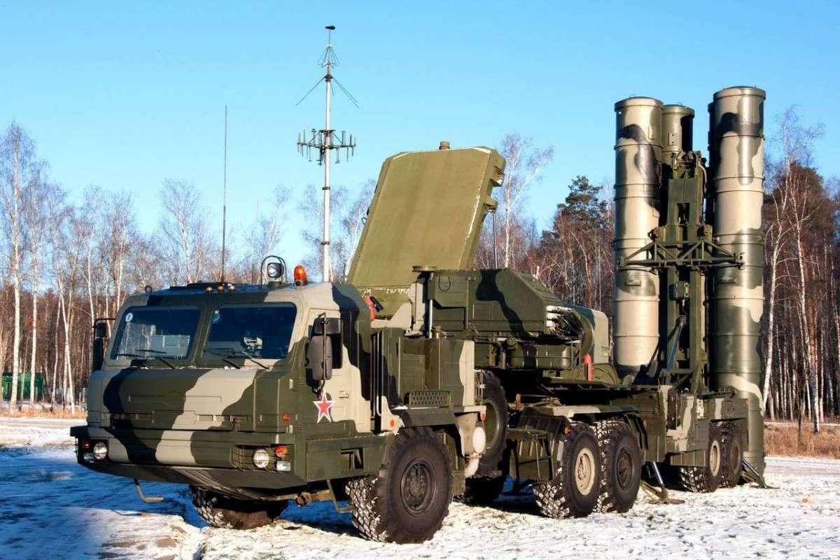 Россия начала поставлять в Китай зенитно-ракетные системы С-400 «Триумф»
