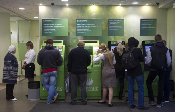 Мир против налогов на наличные: банки грабят, граждане сопротивляются