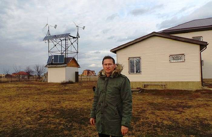 Николай Дрига построил полностью автономный дом на Кубани.| Фото: провэд.рф.