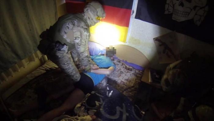 В Калининграде ФСБ обезвредила двух вооруженных неонацистов