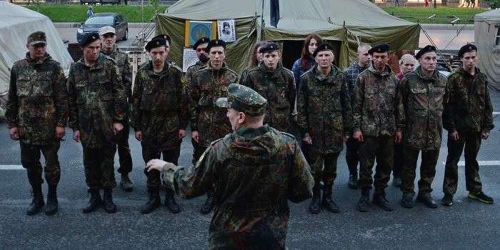 Вооружённые люди именем Майдана грабят киевлян