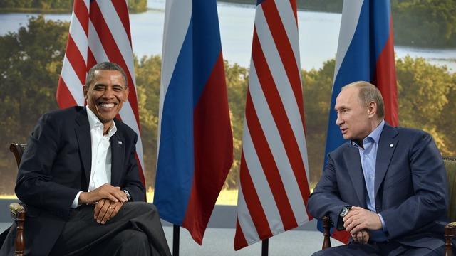 Угрожая России, «идиот из Белого дома» ударил по США