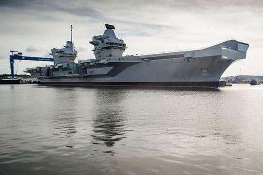 Британия: новейший авианосец будет беззащитен перед русской ракетой