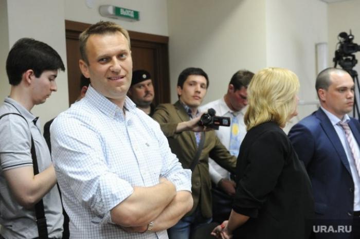 Лёша Навальный оставил без поддержки задержанных в ходе протеста школьников