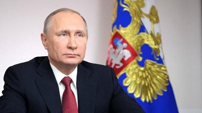 Видеоконференция Владимира Путина послучаю первого захода танкера-газовоза впорт Сабетта