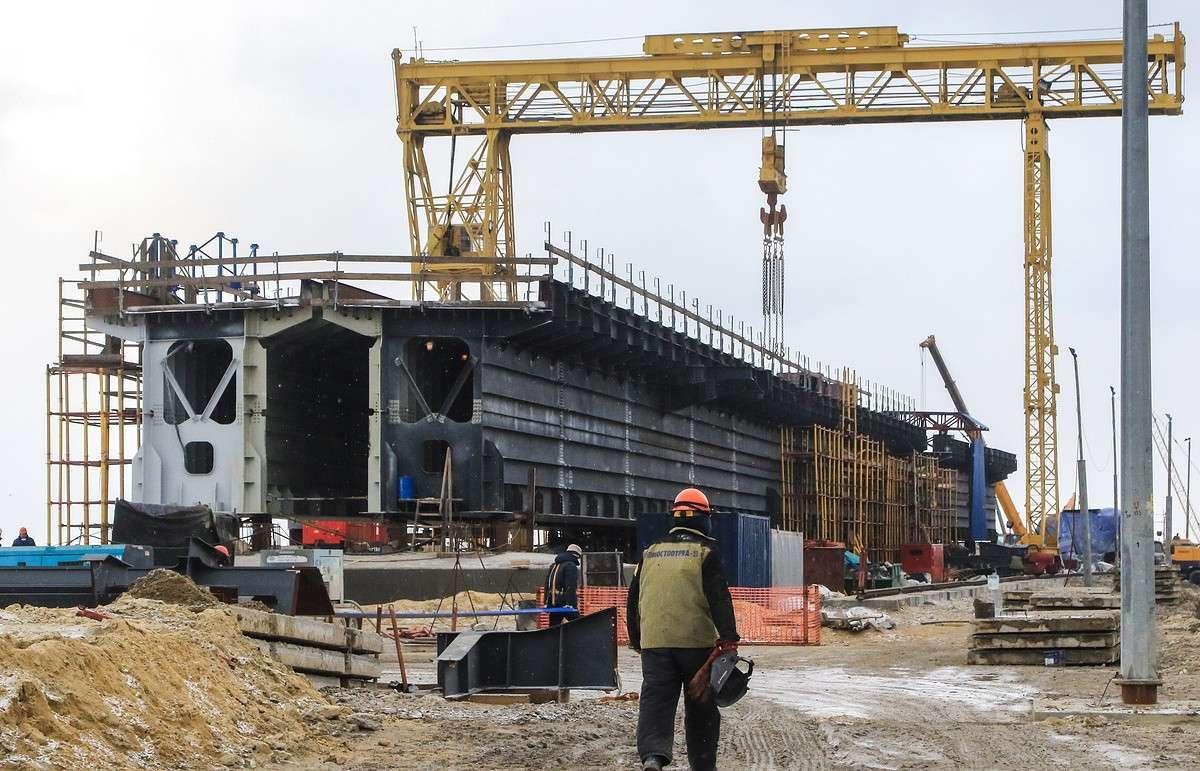 Переселенцы из охранной зоны строящегося Керченского моста получили квартиры в новых домах