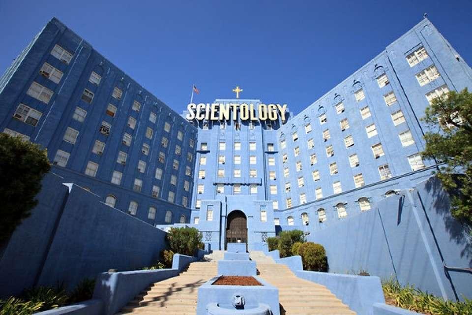 «Церковь саентологии» подозревается выводе из России в США 3 миллиардов рублей в виде пожертвований