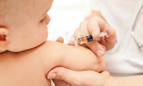 В Запорожье от прививки маленький ребенок впал в кому
