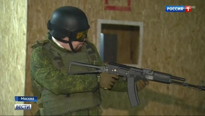 В Москве для старшеклассников воспитанников ДОСААФ устроили большую военную игру