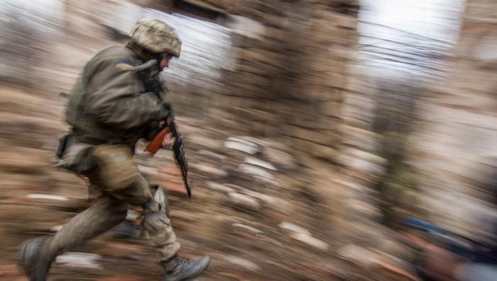 Украинских карателей обвиняют в использовании запрещённых фосфорных боеприпасов
