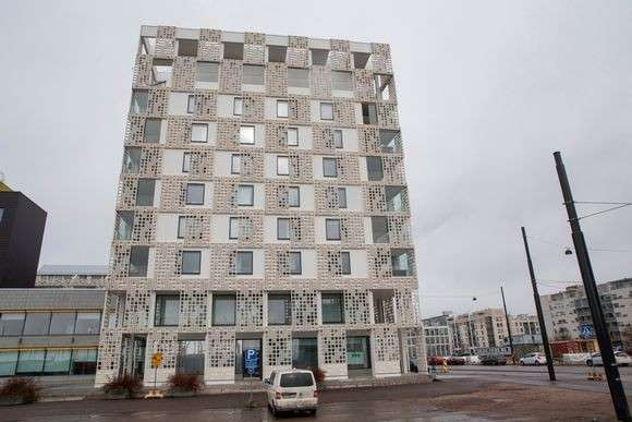 Европейские реалии: в Финляндии в лучшей новостройке 2014 года стены протекают, а жалобы игнорируют