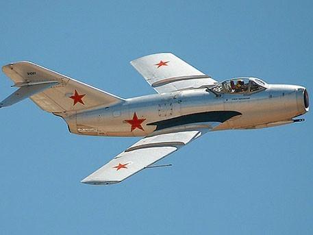 Как истребитель МиГ-15 американцев уму-разуму учил