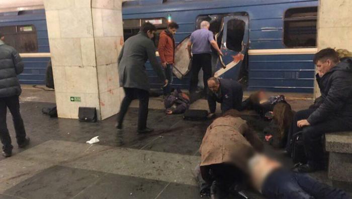 Взрыв в метро Санкт-Петербурга: по предварительным данным, погибли 10 человек