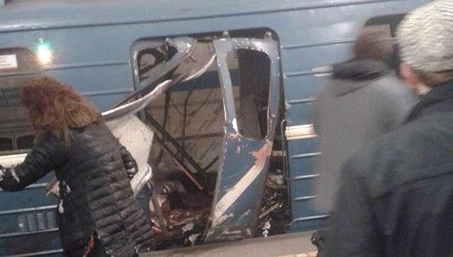 Метро Москвы усилило меры безопасности после взрыва в Петербурге