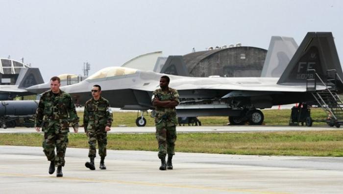 Пилоты ВМФ США отказались летать на старой рухляди