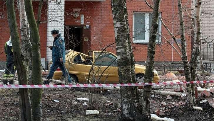 Петербург: в жилом доме в раздался хлопок больше похожий на взрыв внутри дома