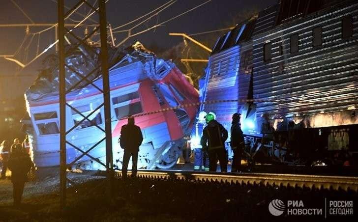 Владимир Путин поручил принять меры в связи со столкновением поездов в Москве