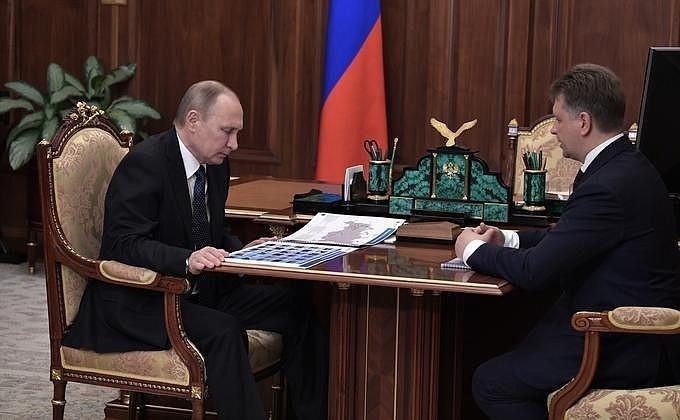 Владимир Путин провёл встречу сминистром транспорта Максимом Соколовым